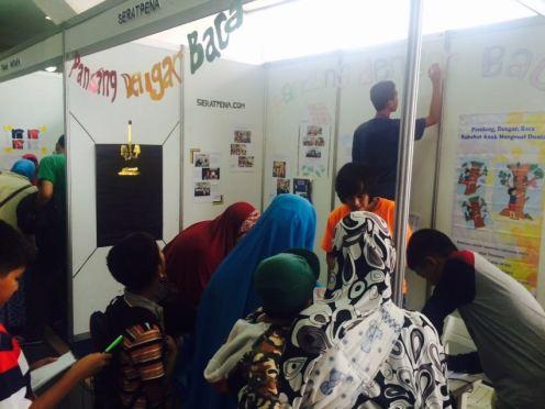 Booth Seratpena di FAB 2016 dipenuhi pengunjung
